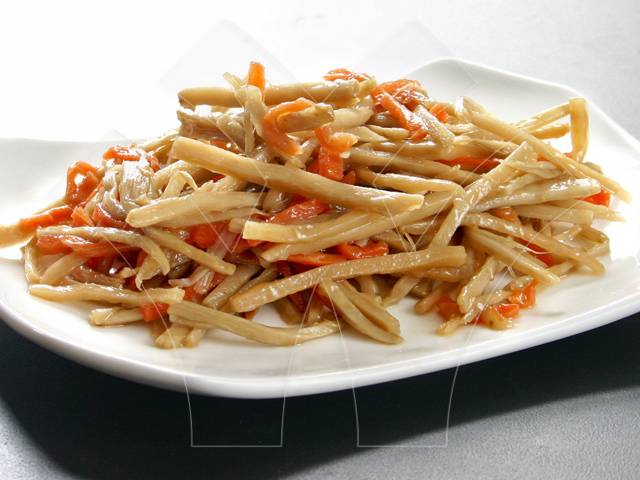 Seasoned mixed burdock with carrot strips
